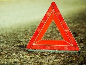 В Трубчевске молодой водитель на «Калине» летел на красный и протаранил «десятку»