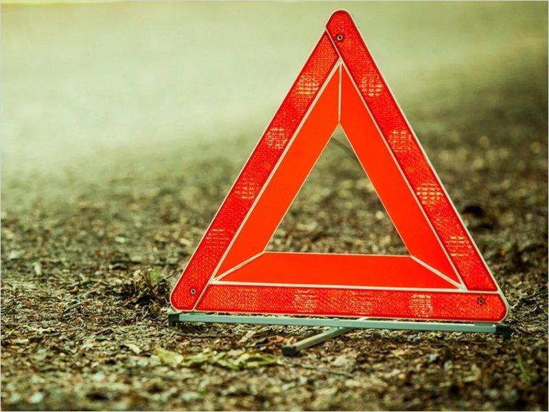 На смоленской трассе мужчина погиб под колёсами большегруза