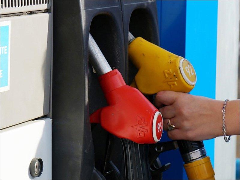 Цены на бензин в России в январе продолжили лететь вверх – Росстат