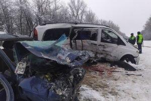 Трое погибших, семеро  пострадавших: недалеко от Орла разбился микроавтобус с украинцами