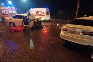 В Брянске у ТРЦ «Аэропарк» произошло смертельное ДТП: один погибший, двое тяжелораненых