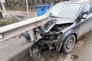 Пожилая пара разбилась на легковом авто в пригороде Брянска