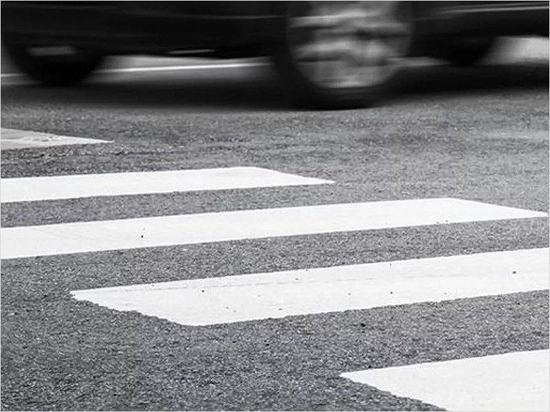 Женщина в Брянске попала под колёса, перебегая на красный
