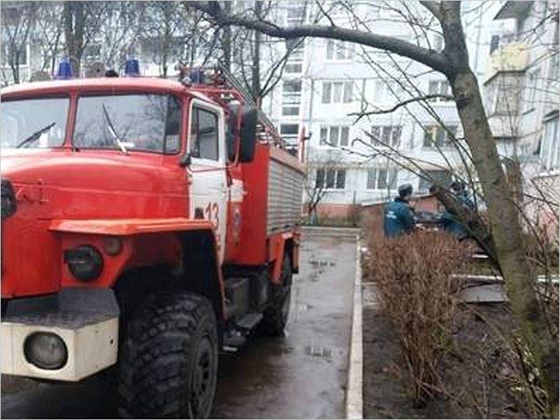 В пожаре в собственной квартире в Брянске погибла 49-летняя женщина