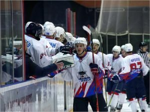 Хоккейный «Брянск» крупно обыграл «Сокол» и вспрыгнул на 15-е место