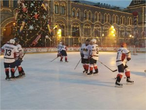 Команда брянского облправительства вновь сыграет в хоккей. В благотворительных целях
