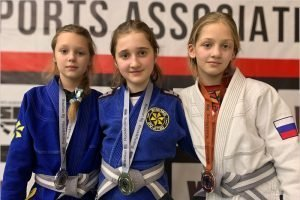 Три брянских школьницы стали призёрами чемпионата Москвы по джиу-джитсу