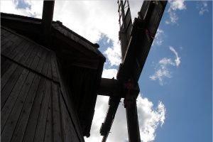 В последний день января в Овстуге торжественно откроют отремонтированную ветряную мельницу