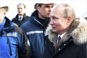 Владимир Путин назвал дату начала грузового сообщения по Крымскому мосту