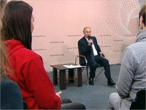 Владимир Путин предложил обеспечить школы горячим питанием из местных продуктов