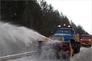 На федеральные трассы, проходящие через Брянскую область, вышло почти 80 снегоуборочных машин