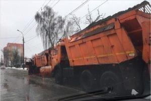Последствия снегопада в Брянске ликвидировали 62 единицы техники
