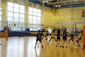 Волейбольный «Брянск» отобрал два очка у одного из лидеров первенства