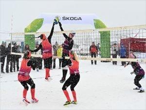 Брянские «снежные» волейболистки добрались до полуфинала европейского тура