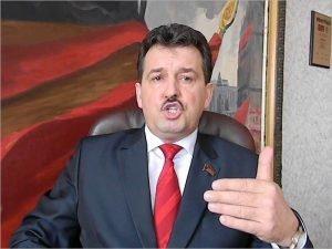 Кандидат в брянские губернаторы Андрей Архицкий заявил, что не саботирует прохождение муниципального фильтра