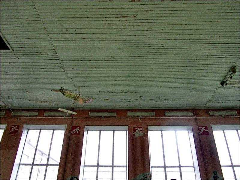 В Клинцах прошли соревнования комнатных самолётов