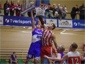 Баскетбольный «Брянск» вырвал две победы в Твери