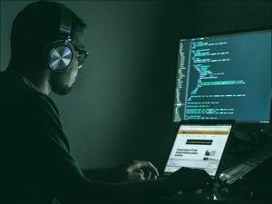 Из-за слабой киберзащиты спутники являются мишенью и опасным оружием хакеров с конца 90-х годов — эксперты