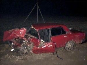 На трассе «Украина» в Брянской области «семёрка» врезалась в большегруз. Водитель погиб на месте