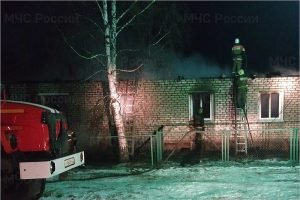 Трагедия под Брянском: в сгоревшем доме в Журиничах погибли три человека