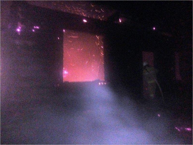 В дятьковском посёлке Бытошь пожарные полтора часа тушили дом