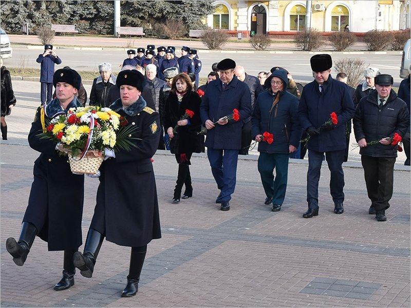 В Брянске торжественно открыт Год памяти и славы