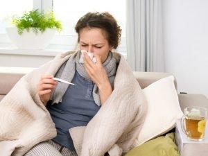 В Брянской области продолжается карантин по гриппу и ОРВИ. Эпидпорог превышен на 21,6%