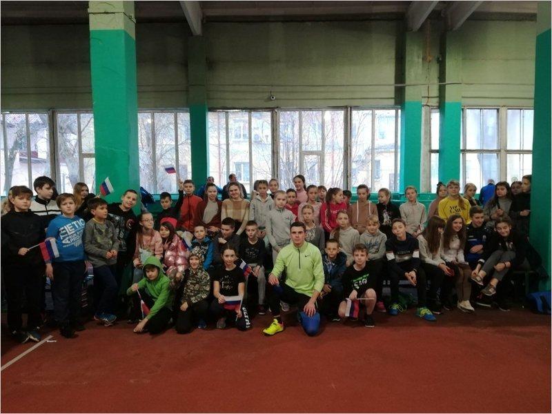 Илья Иванюк провёл собственный турнир для юных легкоатлетов в Брянске