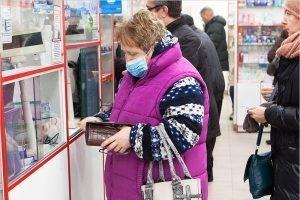 Владимир Путин призвал закрывать наживающиеся на коронавирусе аптеки
