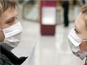 Минпромторг заявил об отсутствии дефицита медицинских масок в России