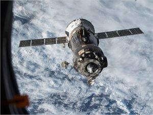 Космонавты Тихонов и Бабкин пробудут на орбите 200 дней