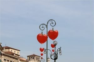 В топ-10 туристических направлений россиян на День святого Валентина входят Армения, Таиланд и родина