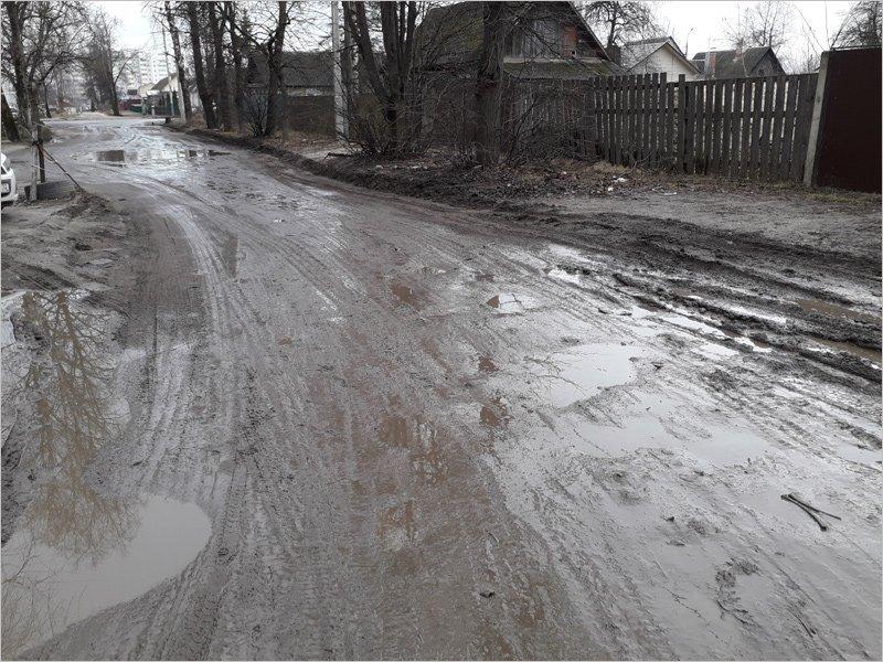 После изменения маршрутов общественный транспорт впервые в Брянске пойдёт по просёлочной дороге