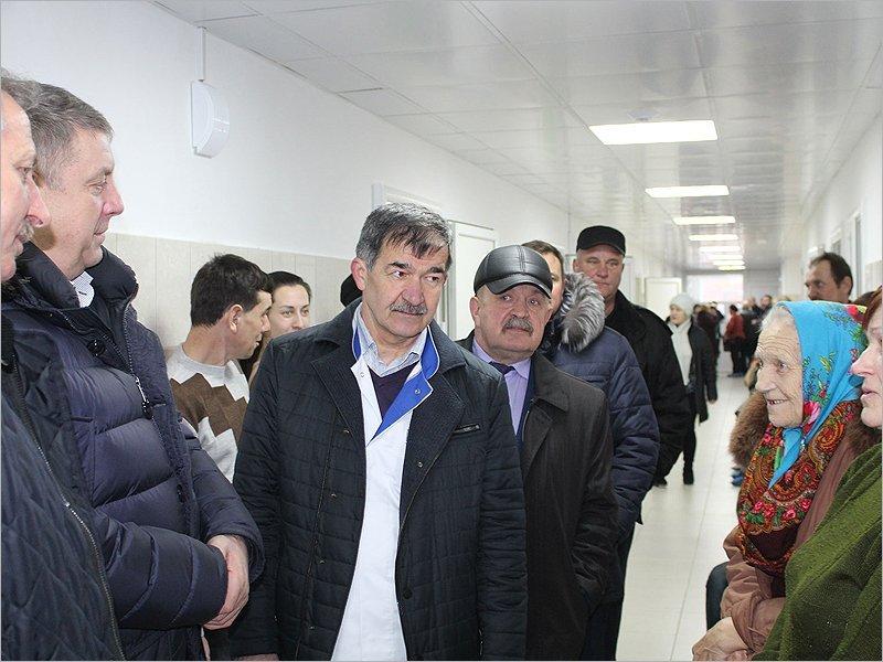 Брянский губернатор раскритиковал руководство Стародубской ЦРБ за не купленную вовремя мебель