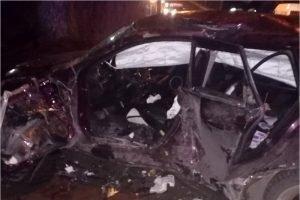 В Брянске на улице Авиационной кроссовер протаранил Mazda. Водителя «вырезали» из обломков