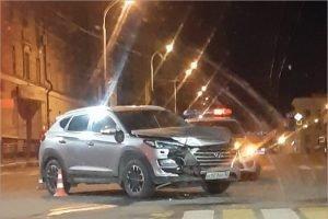 В Брянске в ДТП у ЗАГСа Советского района пострадали двое пассажиров такси