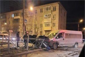 Брянская полиция ищет свидетелей ночного ДТП на перекрёстке Красноармейской и Урицкого