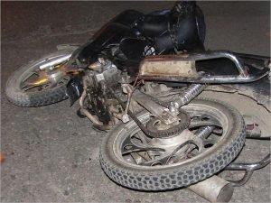 Под Суземкой алкобайкера снесло с мотоцикла тросом
