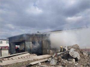 В Брянске  полностью выгорел склад в Фокинском районе