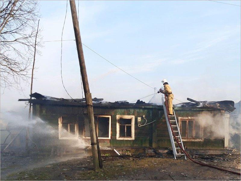 В Карачеве сгорел жилой дом. Жертв нет