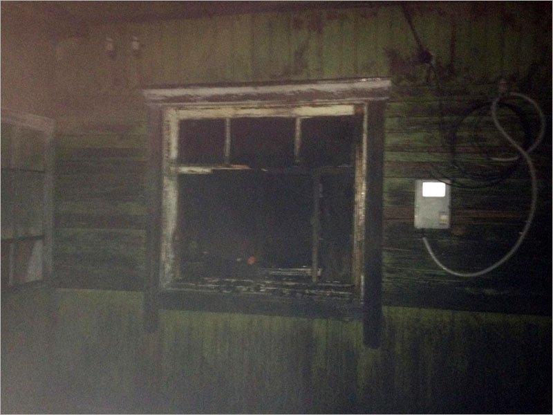 В брянском райцентре выгорел частный дом, погибла девушка
