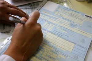 «ЕР» предложила сделать постоянными минимальные выплаты по больничным на уровне не ниже МРОТ