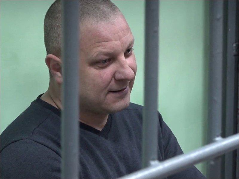 «Нож» и суд присяжных: в Брянском районном суде рассматривают дело Николая Макурина