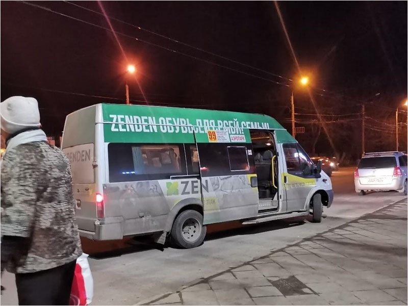 Маршрутка в Брянске сбила пожилую женщину на регулируемом переходе