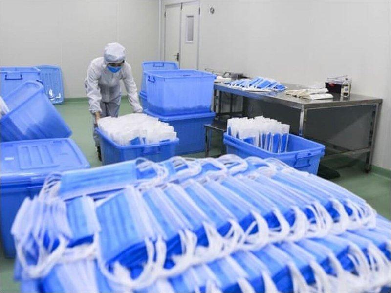 Минпромторг начал поставлять медицинские маски в регионы
