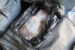 За ночь брянские таможенники  достали из поездов 3,5 центнера мяса и сала