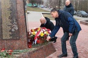 В Брянске торжественно отметили двадцатилетие подвига десантников Шестой роты