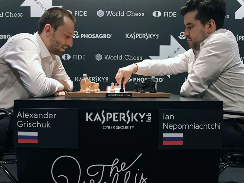 Ян Непомнящий сыграл вничью во втором туре турнира претендентов FIDE