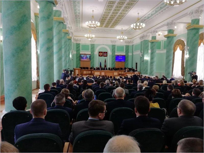 Брянские коммунисты калькировали позицию по поправкам в конституцию с госдумских коллег