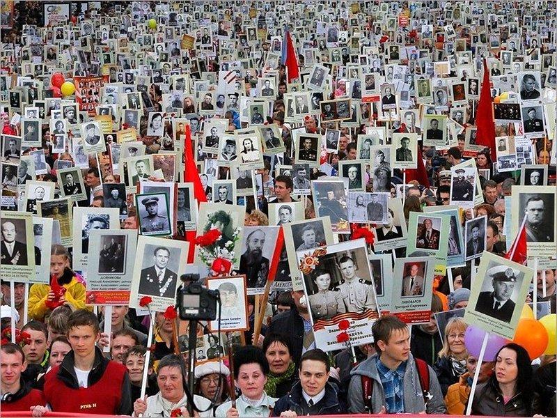 Владимир Путин поддержал идею провести «Бессмертный полк» в 2021 году